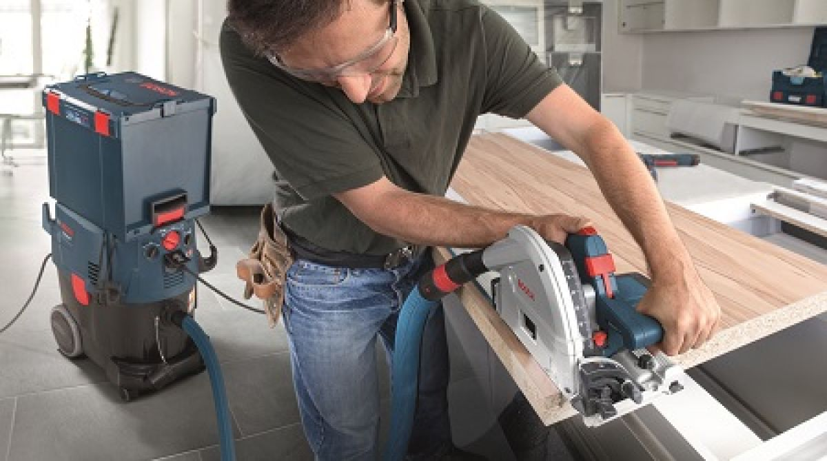 Bosch Circular Saw in action with dust extraction